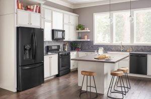 راهنمای خرید لوازم آشپزخانه سفید یا سیلور؛ کدام انتخاب بهتری است؟